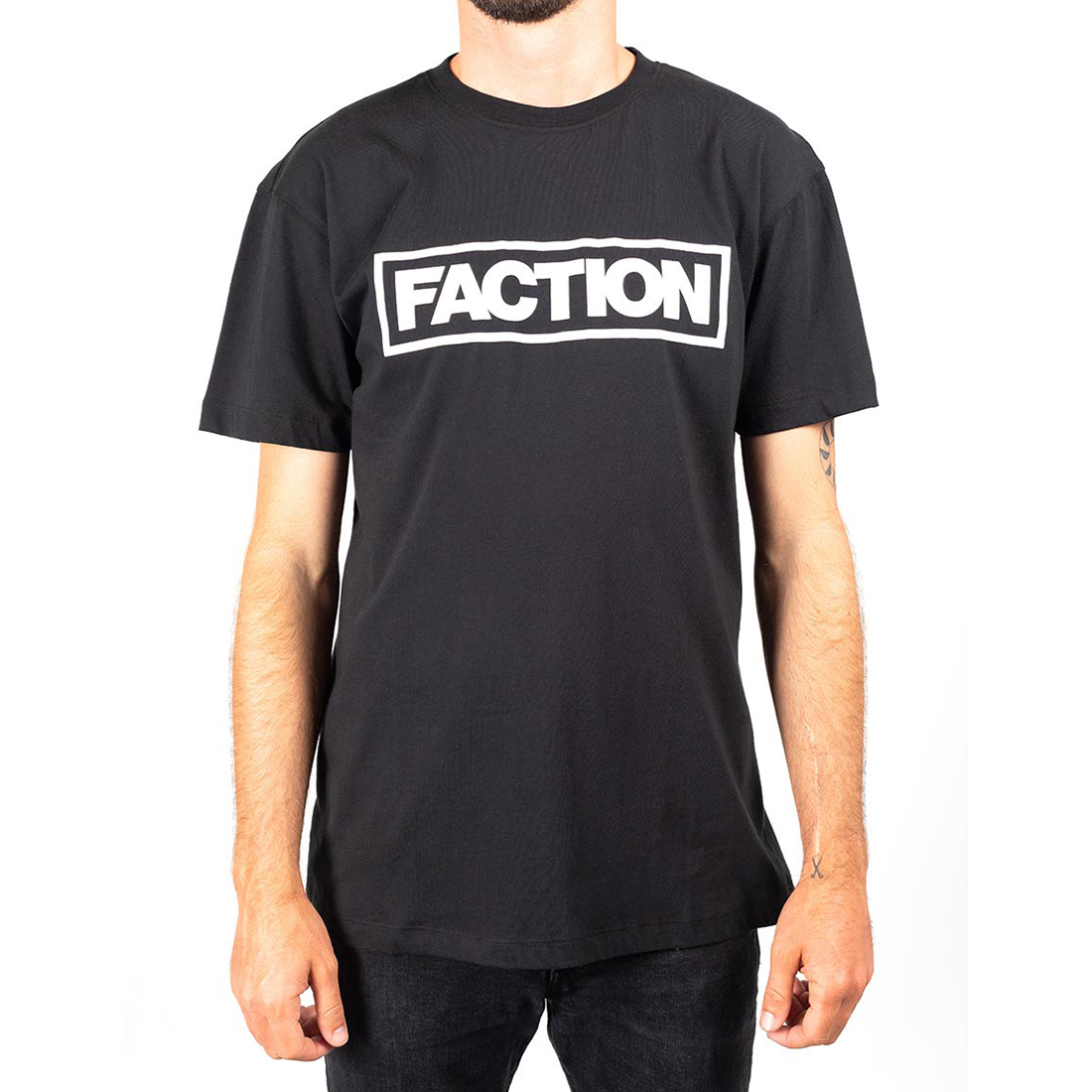 Футболка FACTION LOGO T-SHIRT BLACK/WHITE